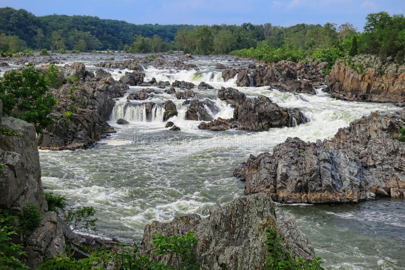 As grandes quedas dos Rapids do rio de Potomac aproximam a C.C. imagens de stock