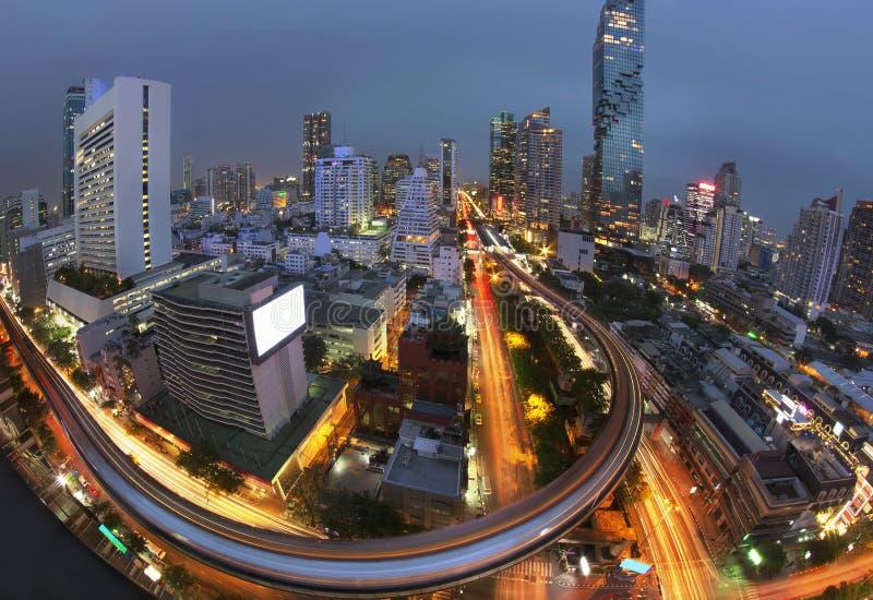 As horas de ponta do fundo da vida urbana de Banguecoque fotos de stock