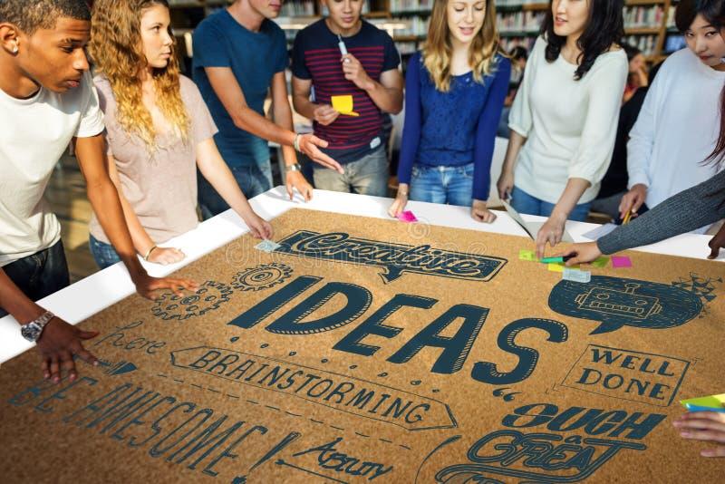 As ideias inspiram o conceito da motivação do pensamento criativo imagem de stock royalty free