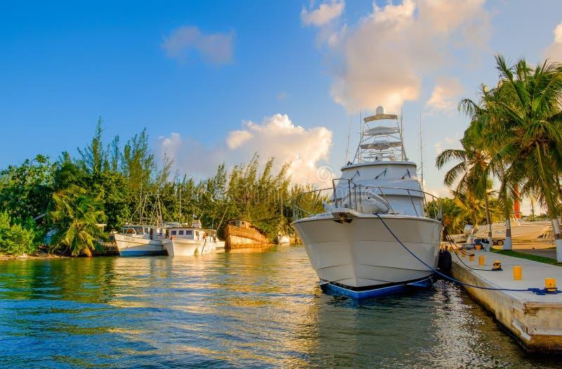 As ilhas de Grand Cayman abrigam o porto da casa fotografia de stock