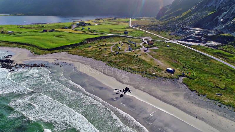 As ilhas de Lofoten são um arquipélago no condado de Nordland, Noruega foto de stock