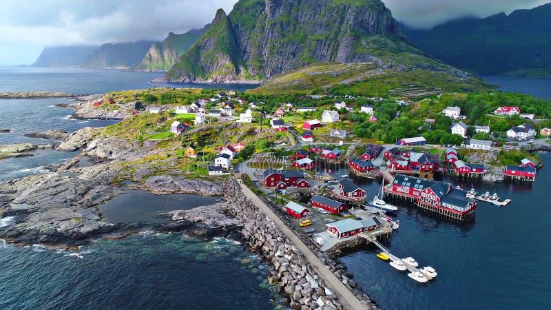 As ilhas de Lofoten são um arquipélago no condado de Nordland, Noruega imagens de stock royalty free