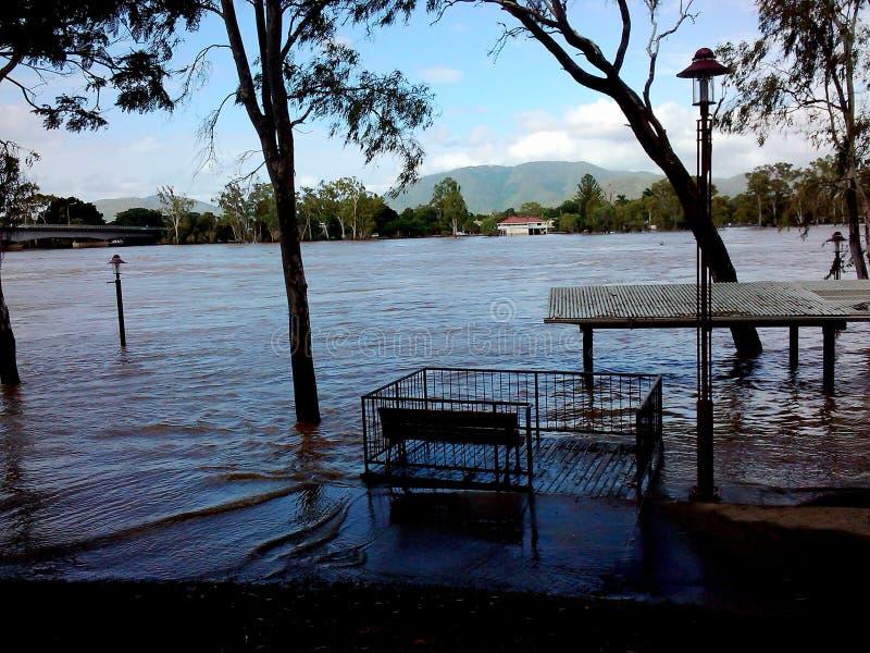As inundações 2011 do rio de Rockhampton Fitzroy repicaram vistas fotos de stock royalty free