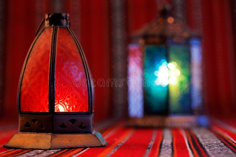 As lanternas são símbolos icônicos da ramadã no Médio Oriente foto de stock