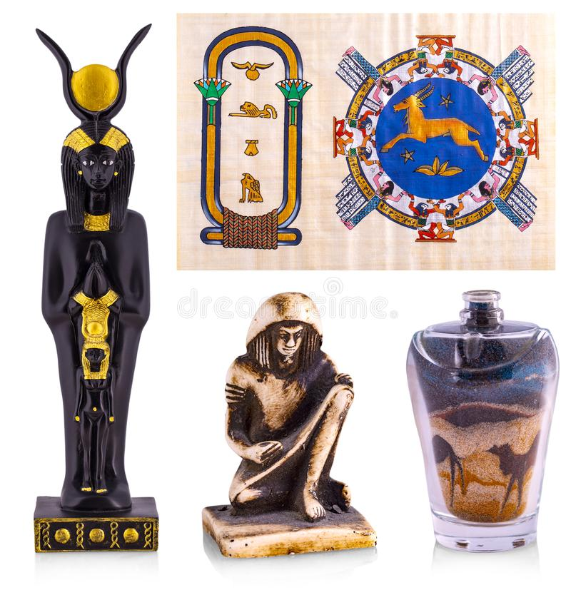 As lembran?as de Egito: papiro, est?tua, areia colorida imagem de stock royalty free