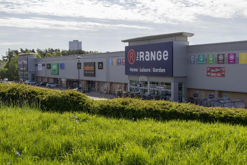 As lojas da escala e do Halfords em do leste - kilbride fotos de stock royalty free