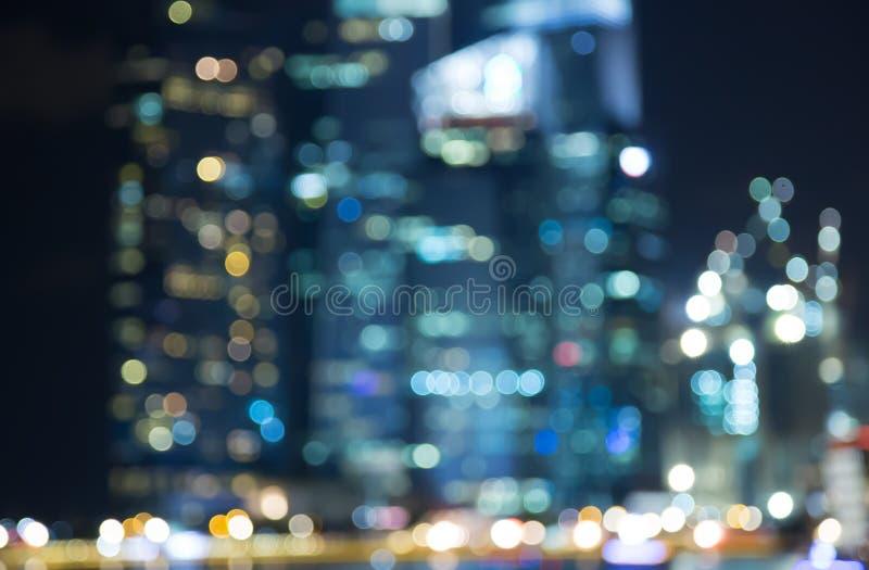 As luzes da noite da cidade de Singapura borraram o bokeh imagens de stock royalty free