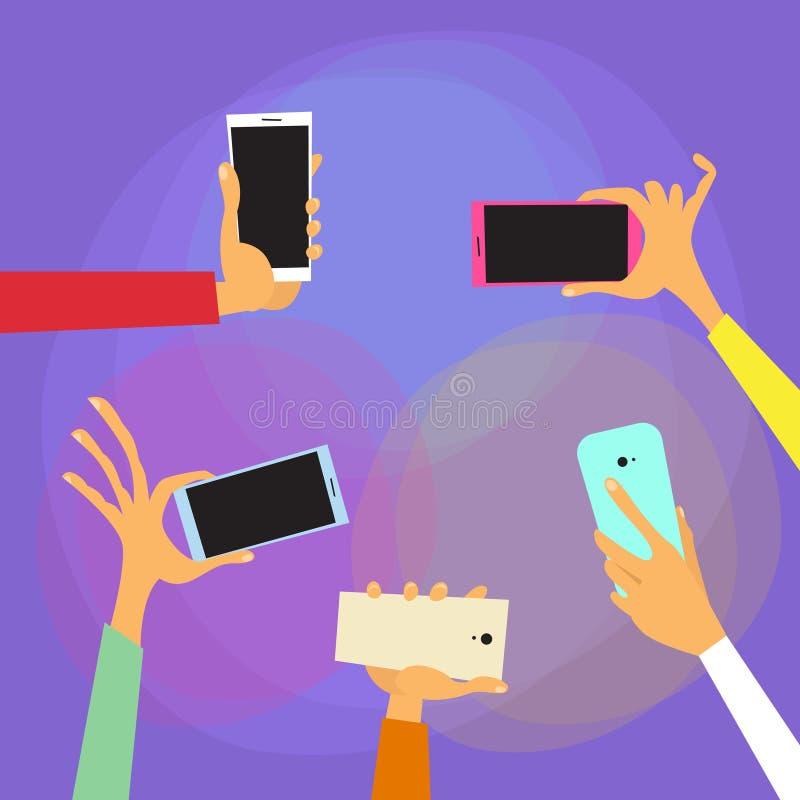 As mãos guardam telefones espertos coloridos ilustração do vetor