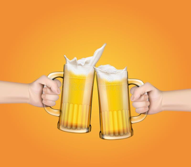 As mãos que guardam as canecas de vidro com cerveja aumentaram em um brinde festivo ilustração royalty free