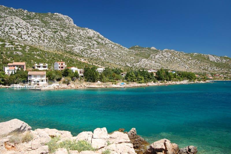 As montanhas aproximam Ribarica em Croatia fotos de stock royalty free