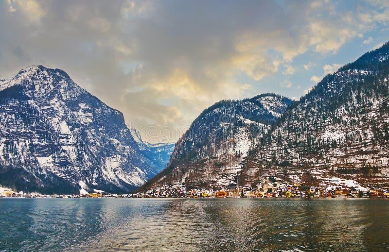 As montanhas de Dachstein em Hallstatter veem o lago, Salzkammergut, Áustria fotos de stock