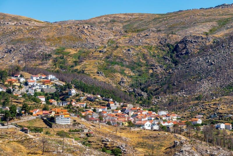 As montanhas de Monchique, Portugal, vista do ponto o mais alto pr?ximo imagem de stock royalty free