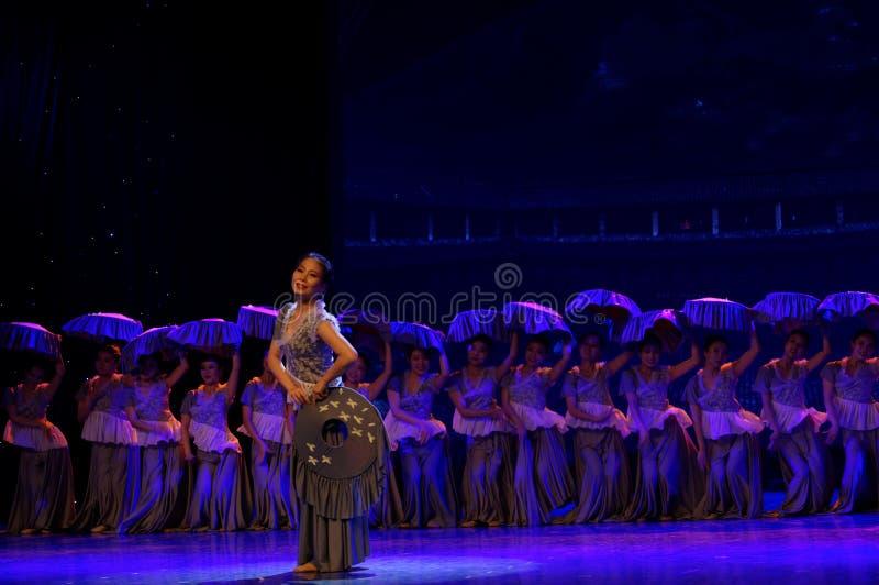 As mulheres no Hakka encerraram a dança popular popular da casa 3-Chinese foto de stock