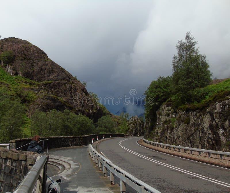 As nuvens de tempestade recolhem em Glencoe fotografia de stock royalty free