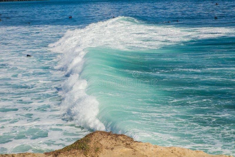 As ondas enormes mágicas na baía de Santa Barbara para fazer a isto um s fotografia de stock royalty free