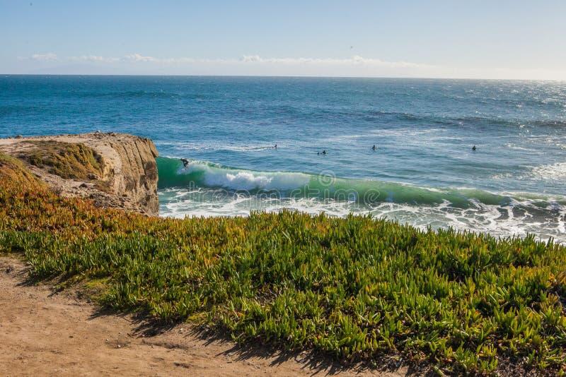 As ondas enormes mágicas na baía de Santa Barbara para fazer a isto um s fotografia de stock