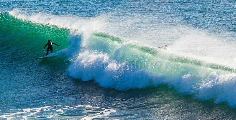 As ondas enormes mágicas na baía de Santa Barbara para fazer a isto um s fotos de stock