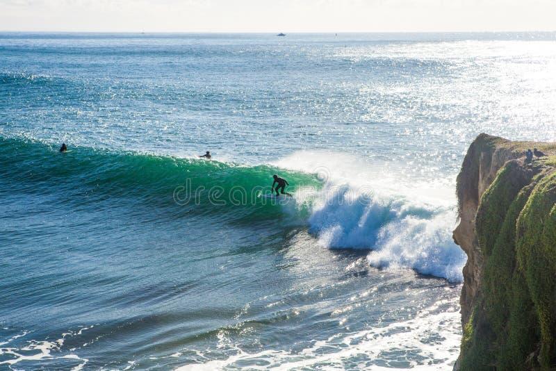 As ondas enormes mágicas na baía de Santa Barbara para fazer a isto um s imagens de stock