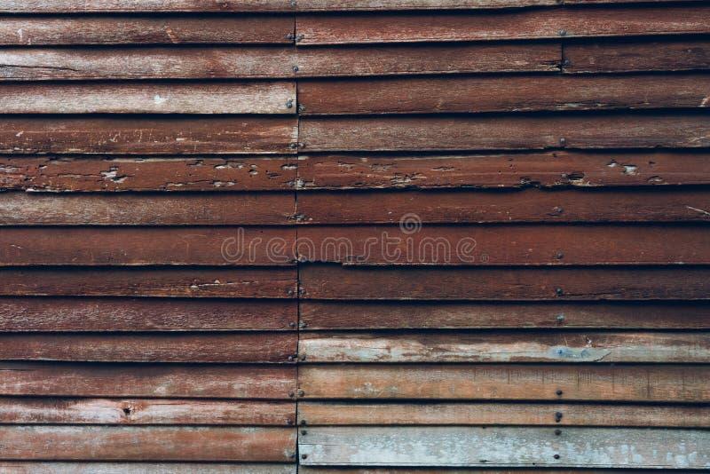 As paredes de madeira fizeram da madeira vista vêm como paredes e pregos guardar Original tailandês do vintage popular da decoraç imagens de stock royalty free