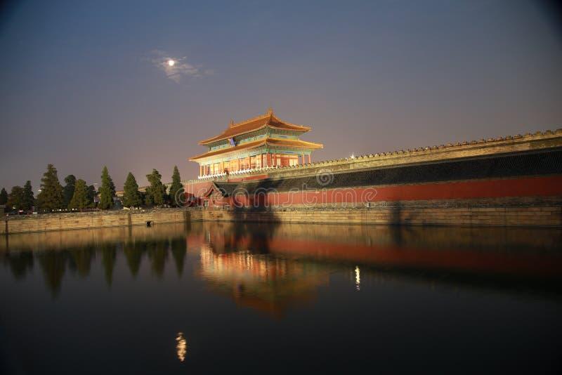As paredes do Pequim o palácio imperial imagem de stock