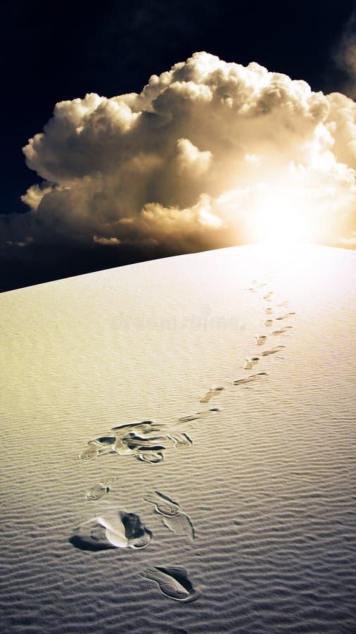 As pegadas no branco do deserto lixam New mexico fotos de stock royalty free