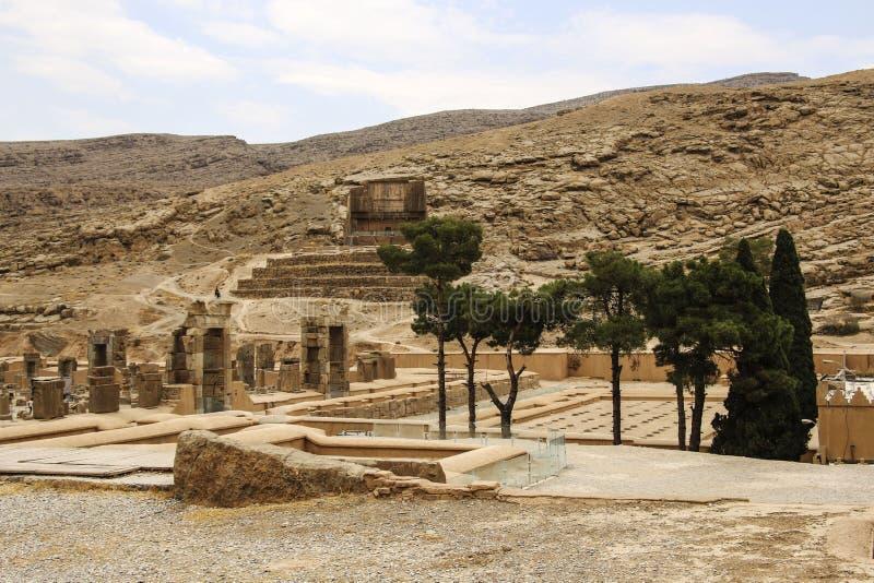 As ruínas antigas do complexo de Persepolis, ceremonial famoso c fotografia de stock