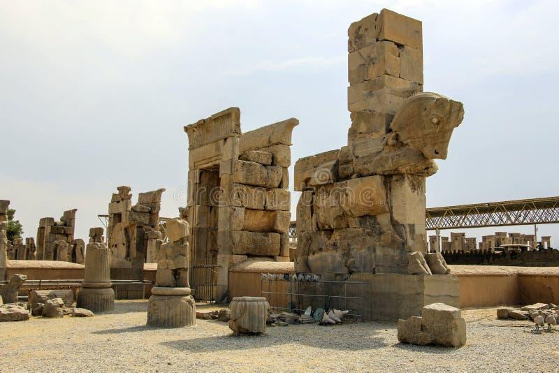 As ruínas antigas do complexo de Persepolis, ceremonial famoso c imagens de stock royalty free