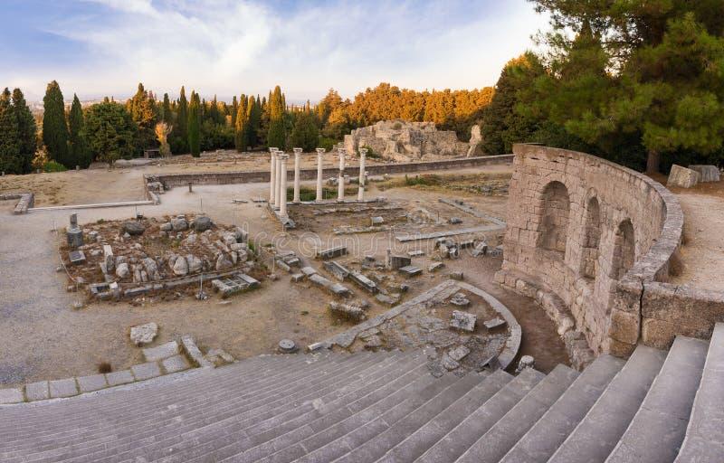 As ruínas de Asclipeion na ilha de Kos, Dodecanese, Grécia, um templo dedicaram a Asclepius, deus da medicina fotos de stock