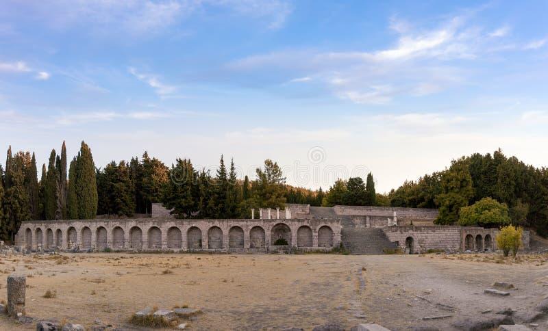 As ruínas de Asclipeion na ilha de Kos, Dodecanese, Grécia, um templo dedicaram a Asclepius, deus da medicina fotos de stock royalty free