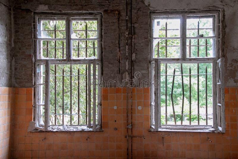 As ruínas de Beelitz-Heilstätten perderam o lugar Berlin Brandenburg imagem de stock royalty free