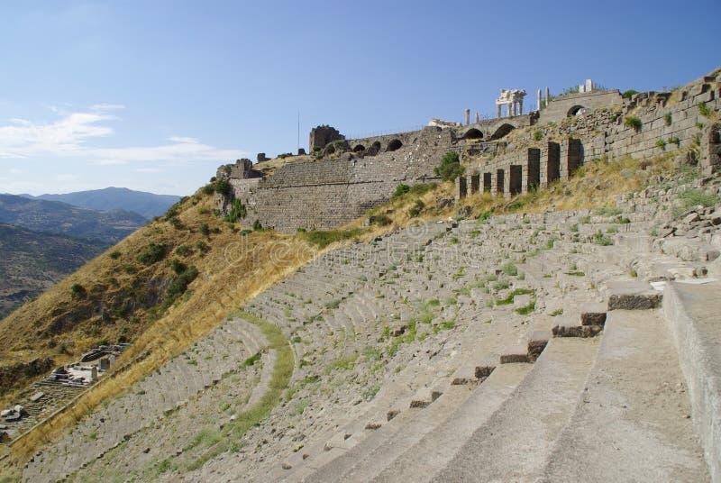 As ruínas de Pergamon, lugar de nascimento de Hippocrates foto de stock