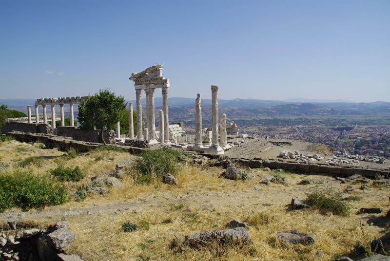 As ruínas de Pergamon, lugar de nascimento de Hippocrates imagens de stock