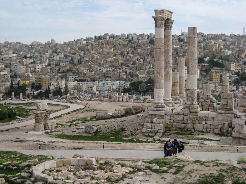 Ruínas romanas. Templo de Hercules. Amman. Jordão imagem de stock royalty free