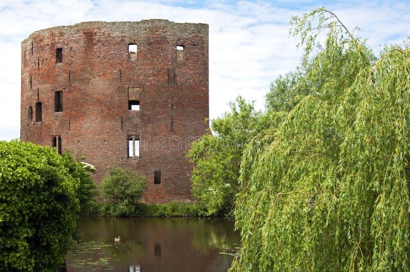 As ruínas do castelo holandês anterior Teylingen foto de stock royalty free