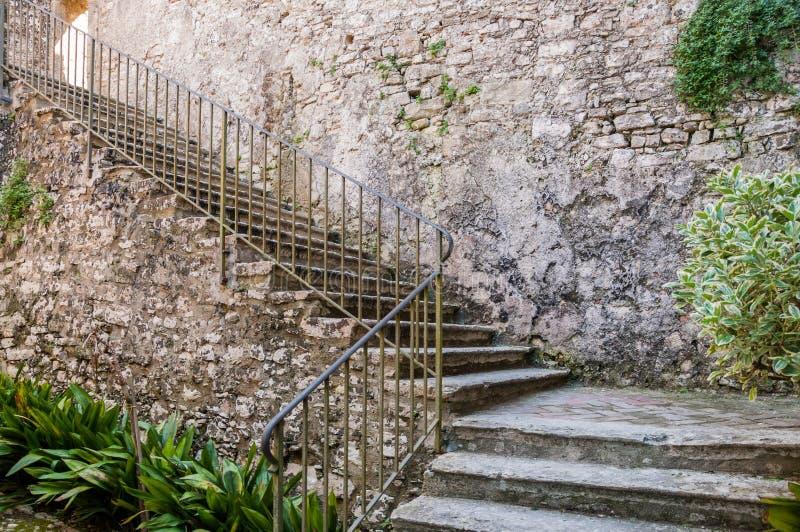 As ruínas do monastério do salvador de Sant em Erice, Sicília imagens de stock royalty free