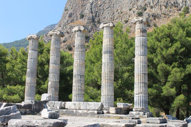 As ruínas do templo de Athena imagens de stock