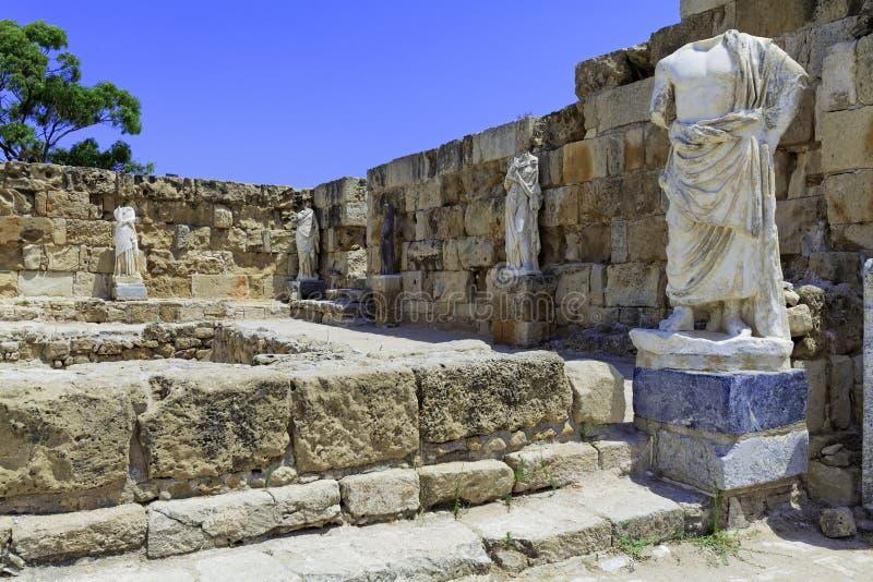 As ruínas dos Salamis aproximam Famagusta fotografia de stock royalty free