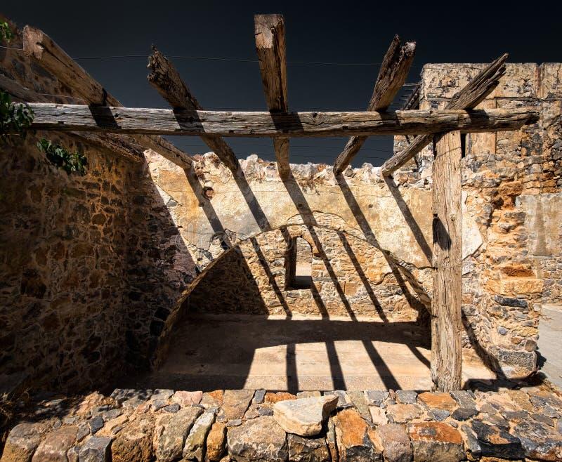 As ruínas Paredes velhas Spinalonga foto de stock