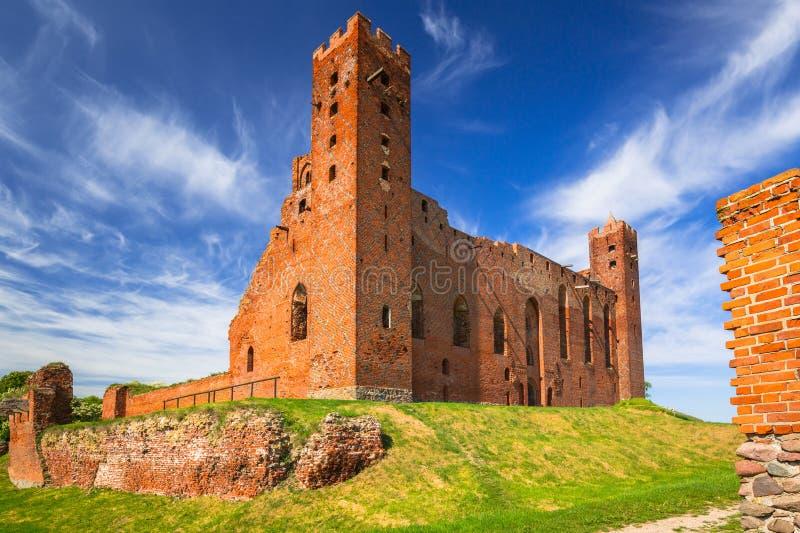 As ru?nas do tijolo medieval fortificam em Rydzyn Chelminski, Pol?nia fotos de stock royalty free