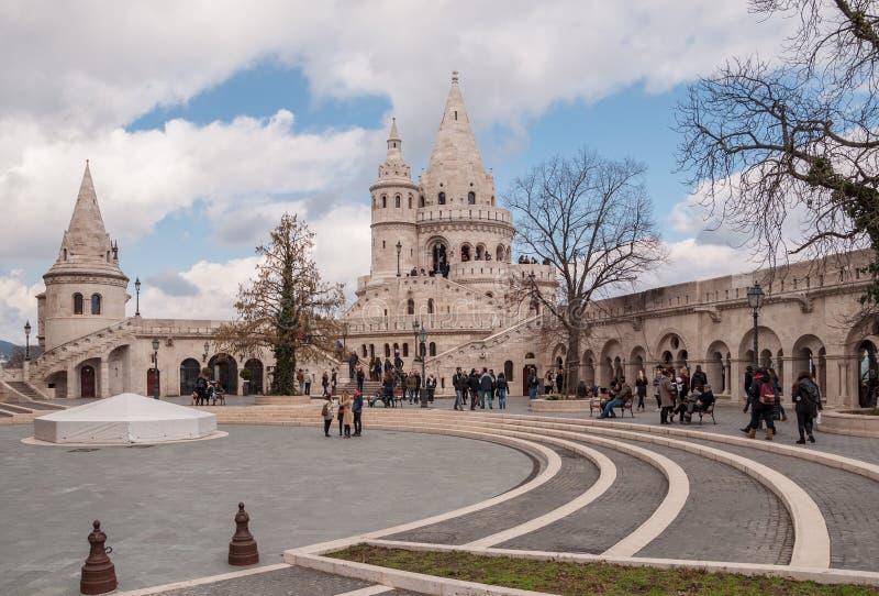 As torres do ` s do pescador fortificam em Budapest, Hungria imagens de stock royalty free