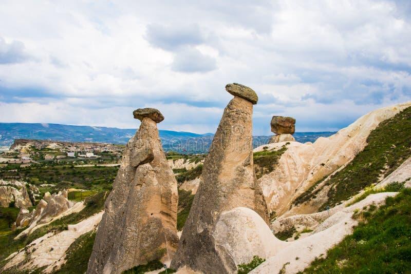 As três benevolências em Cappadocia imagem de stock royalty free