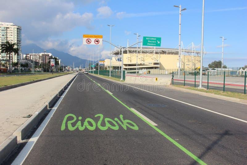 As trilhas exclusivas mudam o tráfego de veículo do Rio para o Rio 2016 imagem de stock royalty free