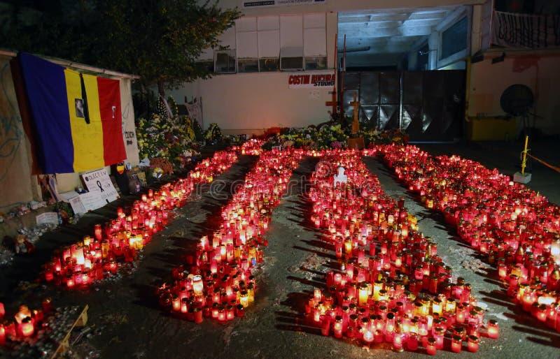 As velas em Colectiv batem em Bucareste, Romênia fotografia de stock