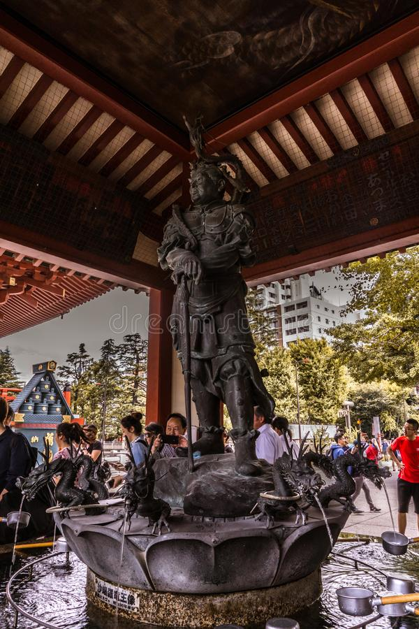 Asakusa-bushi Kriegerswächter des Tempels lizenzfreie stockbilder