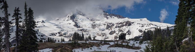 asama capped japan mt snow Rainer panorama arkivbilder