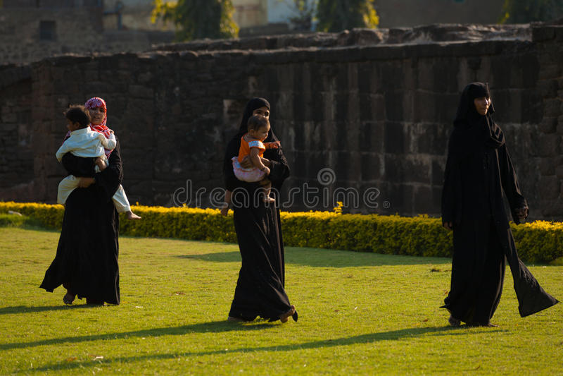 Asar Ruiny Mahal Parkowy Muzułmański Rodzinny Bijapur obraz stock