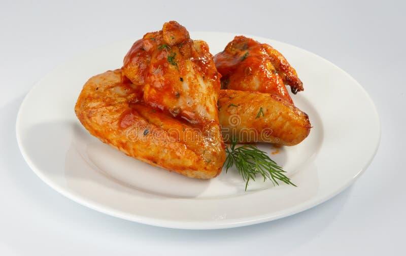 Asas de galinha fritada. fotos de stock