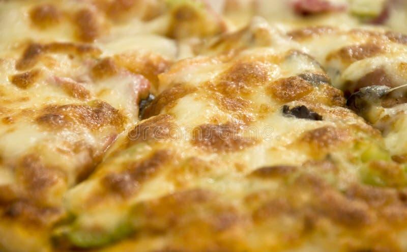 Ascendente cercano de la pizza foto de archivo