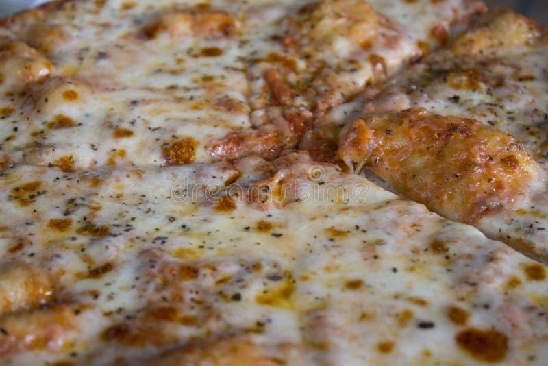 Ascendente próximo da pizza imagens de stock royalty free