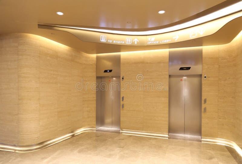 ascenseur photos libres de droits
